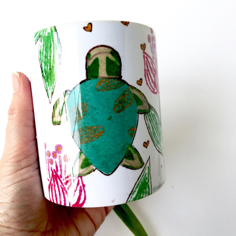 Gifts for turtle lovers. Hawaiian green sea turtle coffee cup