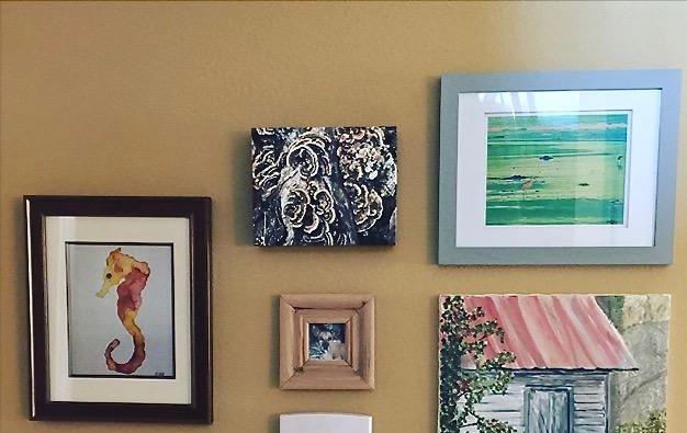 gallery wall art- creatives ways to hang